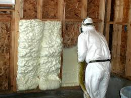 Choosing the Right Insulation Material for your Attic