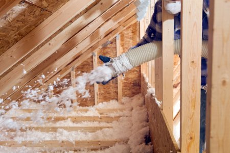 Pros & Cons of Installing Cellulose Insulation